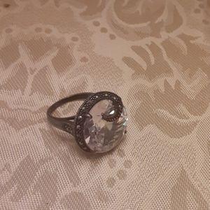 Womens ring